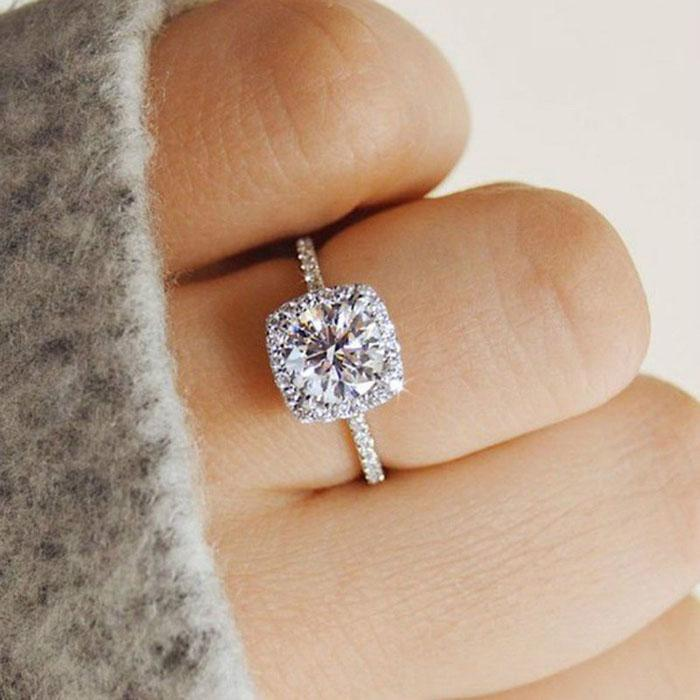 Halo Cushion Cut 18K White Gold Engagement Ring Jewelry