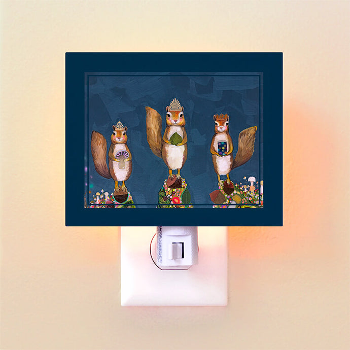 3 Squirrels Royale Night Light