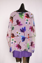 Load image into Gallery viewer, Purple Merric floral top, size 18