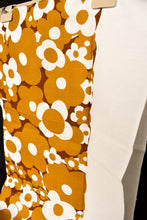 Load image into Gallery viewer, Brown retro flower print tablecloth