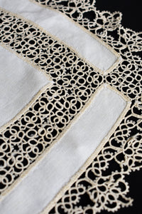Set of 2 delicate vintage lace cloths