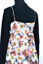 Load image into Gallery viewer, Floral short dress, size M
