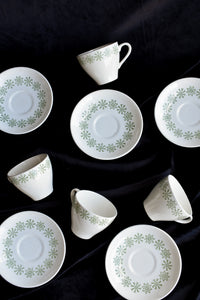 Kelston Potteries by Crown Lynn 4x snowflake tulip cups and 6x saucers