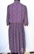 Load image into Gallery viewer, Purple patterned retro dress, size 16