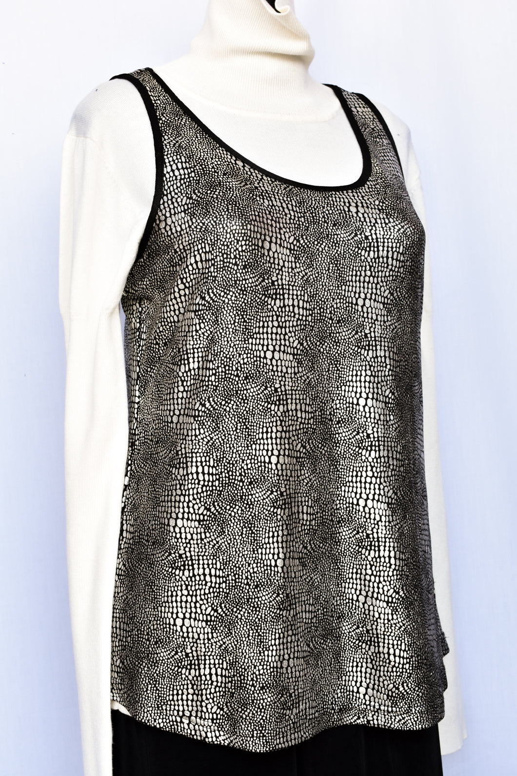 Lemon Tree shimmery singlet top, size 10