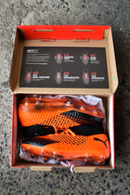 Load image into Gallery viewer, New Puma Future 2.1 Soccer boots, size EU 39