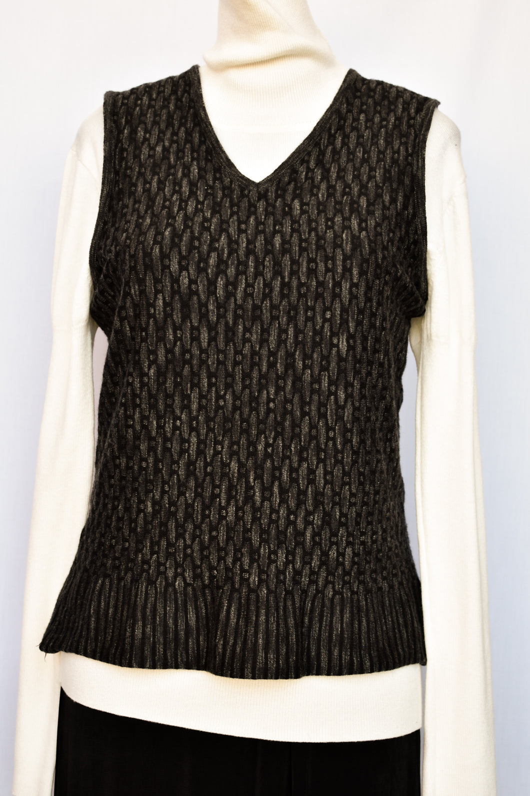 Sabatini pure wool lightweight vest, size M