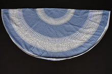 Load image into Gallery viewer, Circular cotton tablecloth and 4x napkins