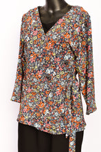 Load image into Gallery viewer, Carly Harris wrap top, size 1