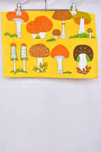 Load image into Gallery viewer, Funky mushroom placemats, 6 set