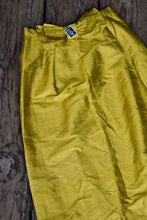 Load image into Gallery viewer, Silk retro skirt, size M