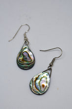 Load image into Gallery viewer, Paua earrings