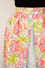 Load image into Gallery viewer, Vintage floral apron