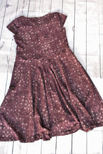 Load image into Gallery viewer, Purple mid length dress, size L
