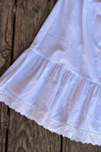 Load image into Gallery viewer, Vintage petticoat, size 12