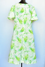 Load image into Gallery viewer, Floral retro midi dress, size M