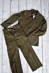 Young Sir vintage boys suit, size 6-7 yrs