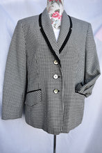 Load image into Gallery viewer, Check short blazer, size S