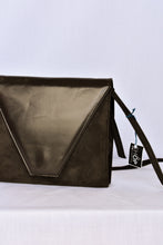 Load image into Gallery viewer, Fiordiluna Italian shoulder bag