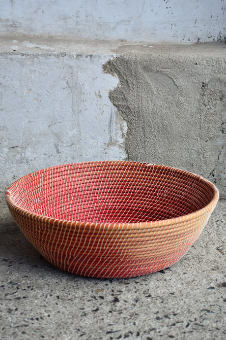 Red shallow, open basket dish, 41cm diameter, pick up only