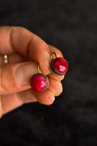 Screw on earrings with red stone