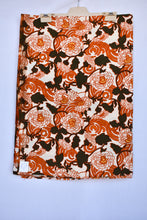 Load image into Gallery viewer, Uncut Viyella floral vintage fabric, 90cm x 2.4m