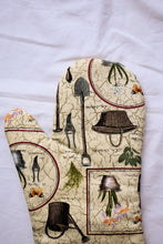 Load image into Gallery viewer, Gardening tools oven mitt