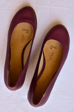 Load image into Gallery viewer, Terra Plana purple wedges, size 38