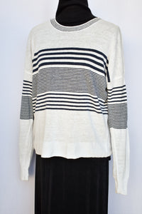Jeanswest lightweight jumper, size L