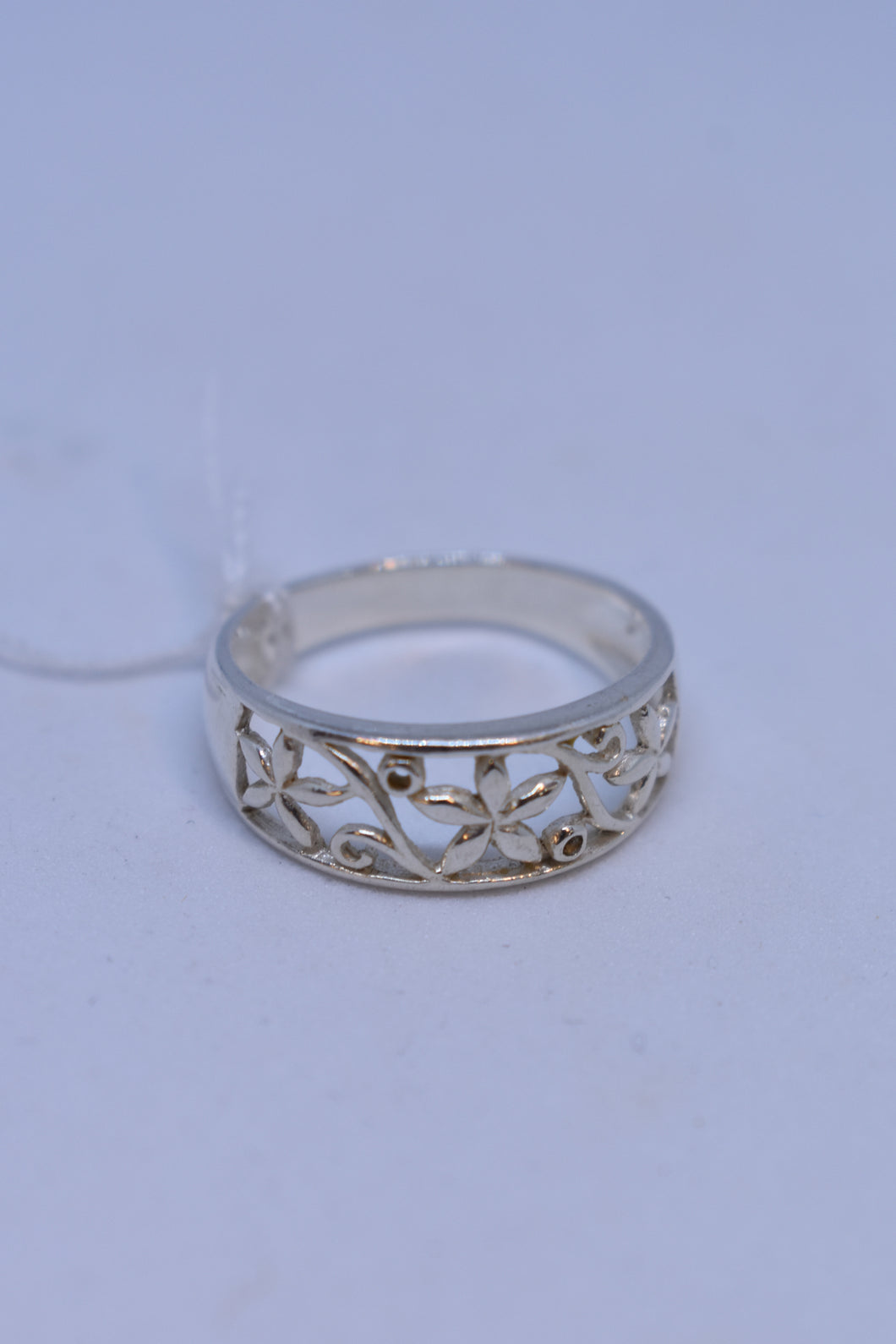 925 Silver ring with floral cutout