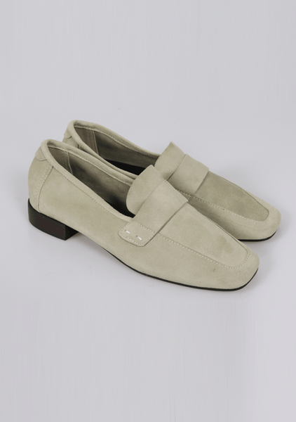 This Story Loafers Shoes