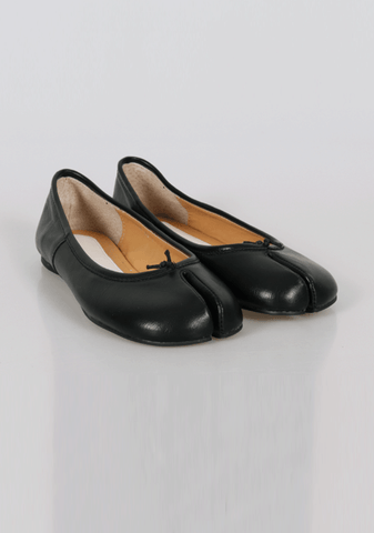 Reflection Split-Toe Flat Shoes