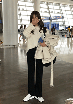 Incheon Terminal Straight Slacks