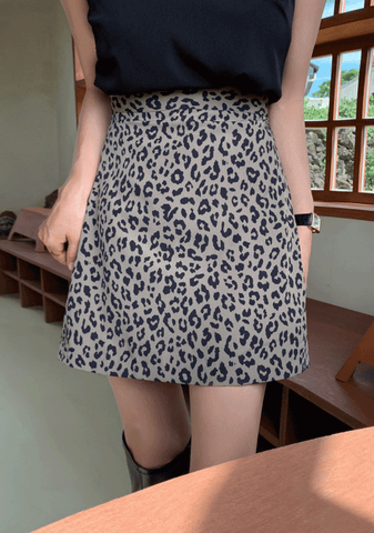Every Day For A Year Leo Mini Skirt