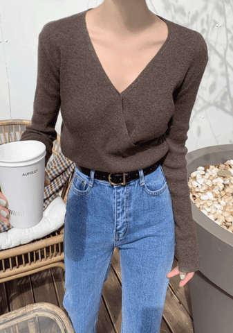 My Dreams In One Picture V-Neck Knit Top