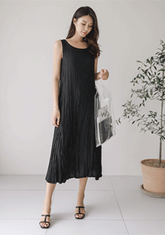 Daisy Pleated Sleeveless Dress
