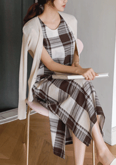 Soliloquy Plaid Pattern Sleeveless Dress