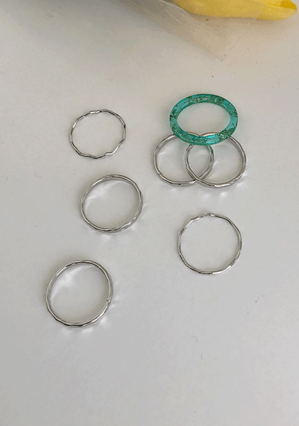 Something Common Rings Set