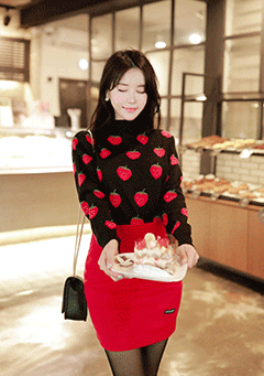 Full Of Strawberry Knit Sweater