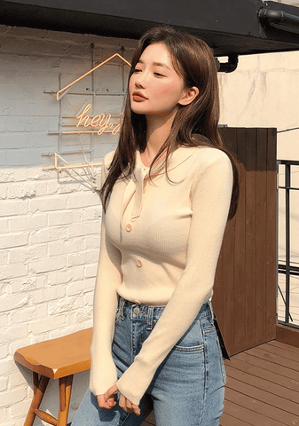 Soft Body Fit Ribbon Knit Top