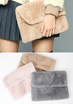 Warm Fur Clutch