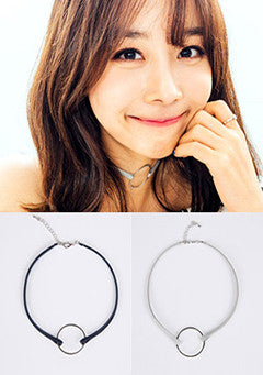 Simple Circle Leather Choker