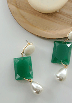 Goss Green Vinyl Pendant Earrings
