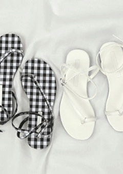 Gingham or Unicolor Straps Flat