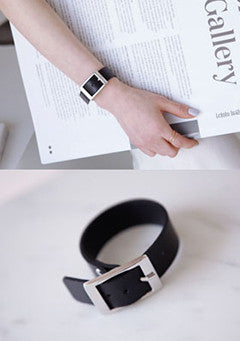 Buckled Synthetic Leather Bracelet