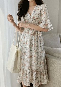 V-Neck Line Feminine Floral Wrap Dress