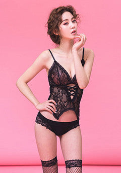 Rose Lingerie Set in February