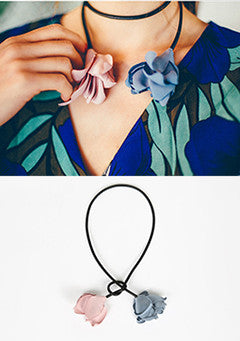 Lovely Flower Point Necklace