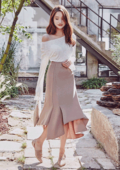 Asymmetric Flare Midi Knit Skirt