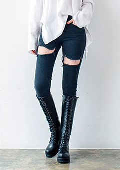Thigh Tear Skinny Jeans